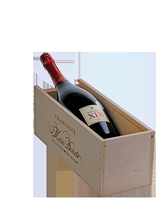 Luxe houten kist met Cuvée XIX Champagne - jeromeschampagne.nl