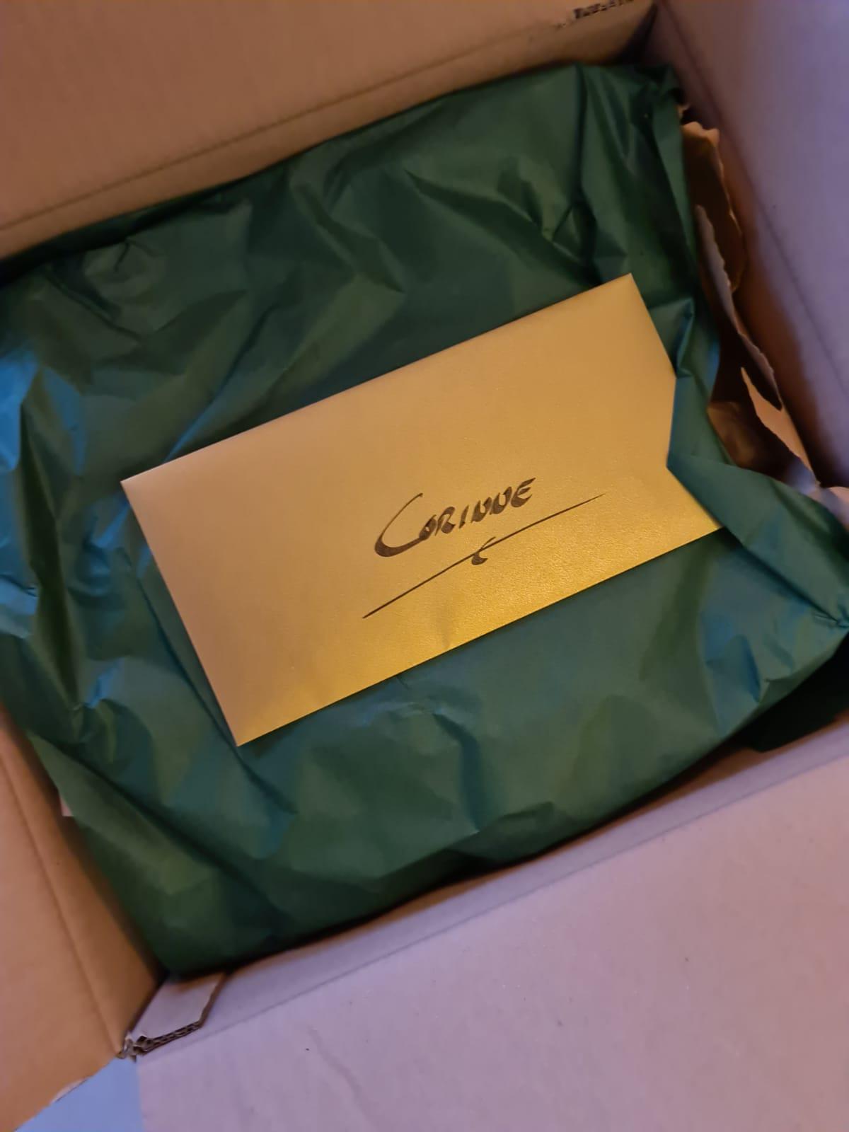 Ontvangen pakket bij Corinne - jeromeschampagne.nl